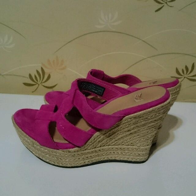 UGG(アグ)のUGG ウェッジサンダル ピンク レディースの靴/シューズ(サンダル)の商品写真