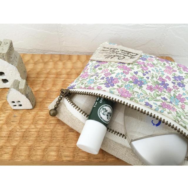 ポケットティッシュポーチ△パープル花柄 ハンドメイドのファッション小物(ポーチ)の商品写真