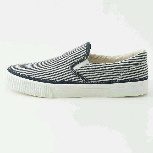 MUJI (無印良品)(ムジルシリョウヒン)の新品 無印良品 スリッポンスニーカー メンズの靴/シューズ(スニーカー)の商品写真