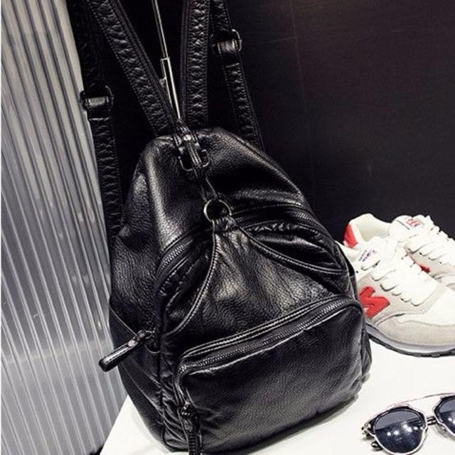 【即日発送♪】リュック 人気 レザー 通勤通学 大人 黒 灰 ブラック グレー  レディースのバッグ(リュック/バックパック)の商品写真