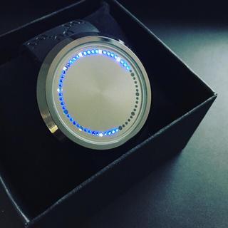 人気◆即納LEDタッチスクリーン腕時計モノグラム  (腕時計(デジタル))