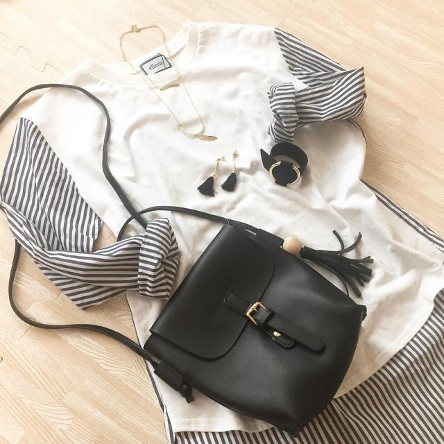 【新品】リング金具付きフェイクレザーバングル♡リングモチーフ♡ブラック レディースのアクセサリー(ブレスレット/バングル)の商品写真