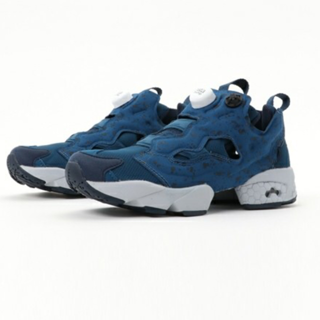 Reebok(リーボック)のリーボック インスタポンプフューリー ブルー 23.5 レディースの靴/シューズ(スニーカー)の商品写真