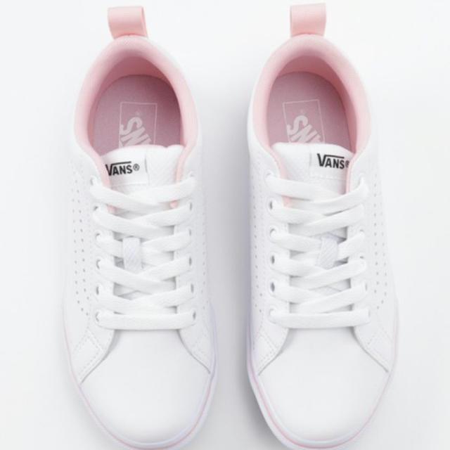 VANS(ヴァンズ)のVANS 薄ピンク×白スニーカー レディースの靴/シューズ