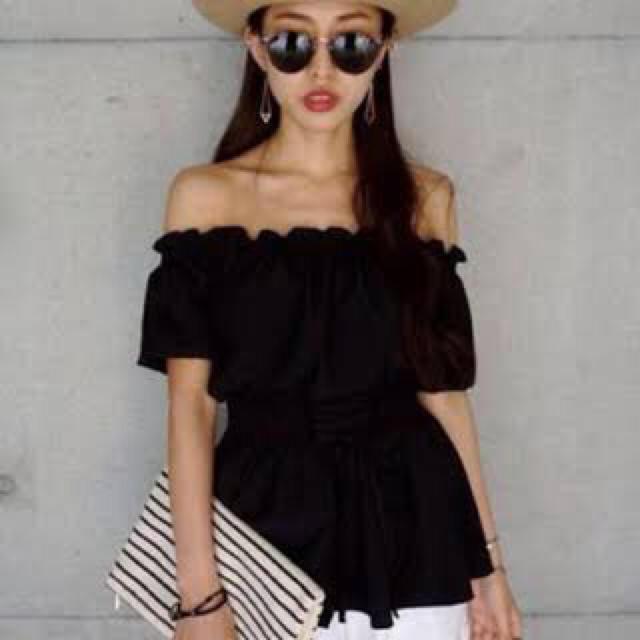 ENVYM(アンビー)のENVYM オフショル ブラック 美品 レディースのトップス(シャツ/ブラウス(半袖/袖なし))の商品写真