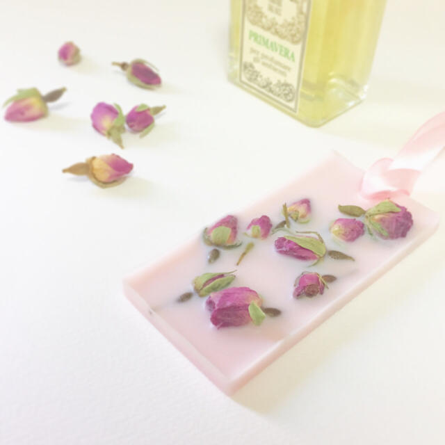 ローズのワックスサシェ*ベビーピンク ハンドメイドのインテリア/家具(アロマ/キャンドル)の商品写真