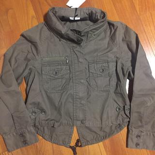 プラステ(PLST)の人気PLSTフード付きミリタリカーキジャケット0新品美品(ミリタリージャケット)
