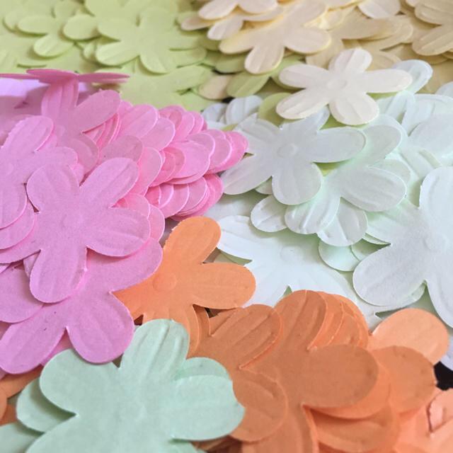 パステルカラー ペーパークラフト〜フラワー〜300枚以上 ハンドメイドの素材/材料(各種パーツ)の商品写真