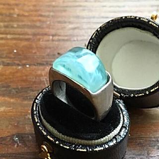 アクアブルーの波の様なリング(リング(指輪))