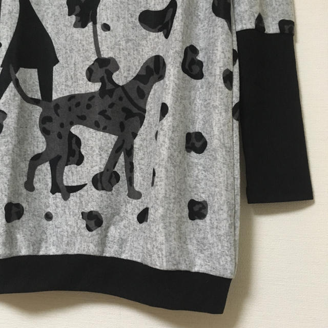 新品 春ニット 体型カバー チュニック トップス カットソー 薄手 グレー 黒 レディースのトップス(チュニック)の商品写真