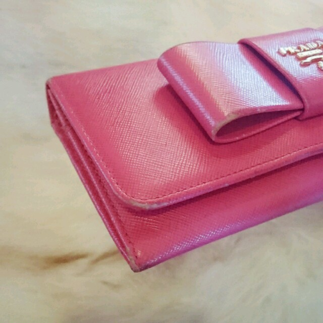 PRADA(プラダ)の【りりこ様ご専用♡〜3/31迄】サフィアーノ ピンク  長財布  レディースのファッション小物(財布)の商品写真
