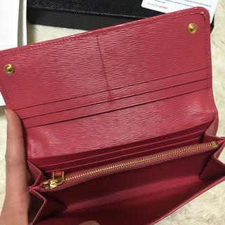 PRADA(プラダ)の美品♡PRADA 二つ折り財布 レディースのファッション小物(財布)の商品写真
