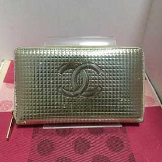 CHANEL(シャネル)のCHANEL 長財布 たくさん収納 メタリックカラー シャネル レディースのファッション小物(財布)の商品写真
