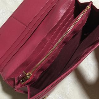 PRADA(プラダ)の☆ PRADA ☆ピンク長財布 ☆ サフィアーノ ☆ レディースのファッション小物(財布)の商品写真