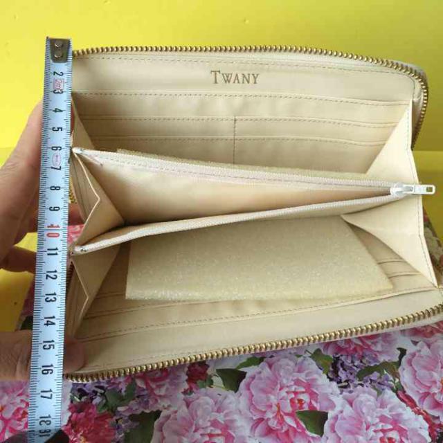 3cf1392e546f 柔らかく丈夫な革のオーストリッチを使ったラウンドファスナー長財布☆新品 レディース