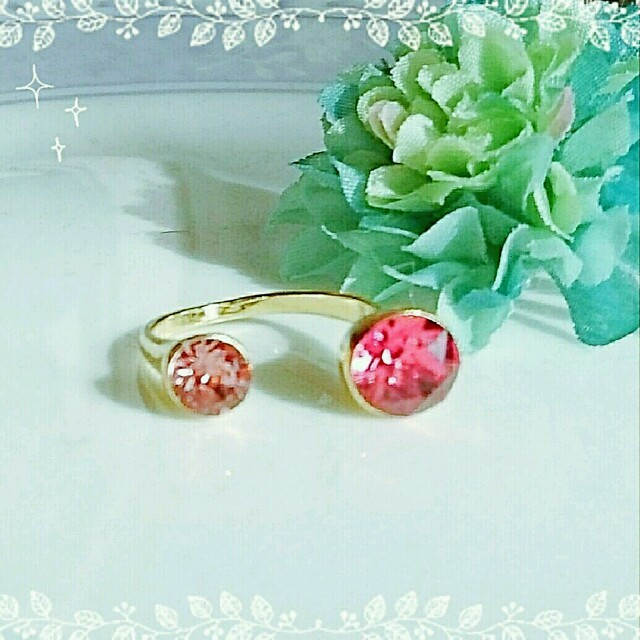 SWAROVSKIのリング(ピンク系) ハンドメイドのアクセサリー(リング)の商品写真