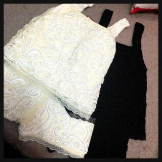 アングリッド(Ungrid)の定価18000円 Ungrid パール刺繍レースセットアップ(セット/コーデ)