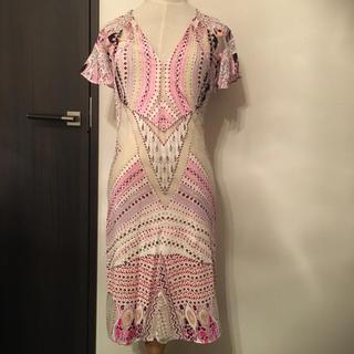 ロベルトカヴァリ(Roberto Cavalli)の未使用品  ロベルトカヴァリ ドレス ワンピース 38 ピンク(ひざ丈ワンピース)