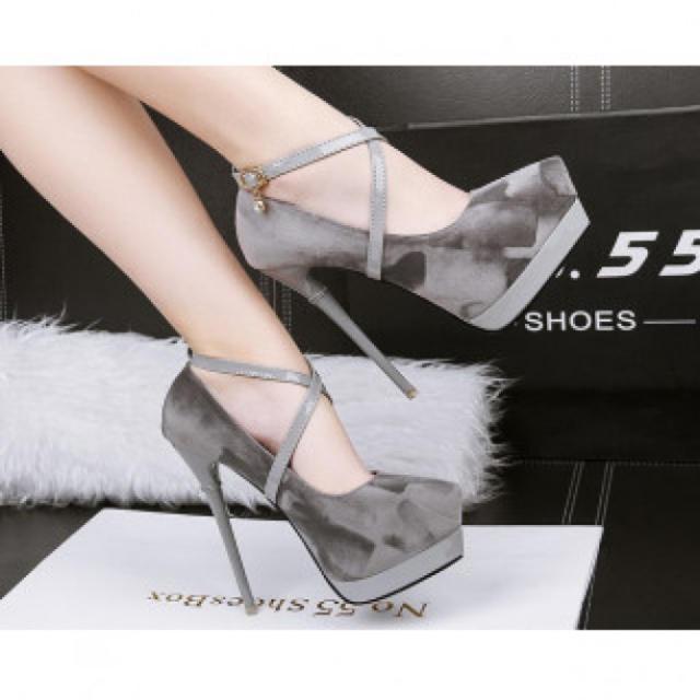【新作】ハイヒール パンプス 高級感 二次会 グレー レディースの靴/シューズ(ハイヒール/パンプス)の商品写真