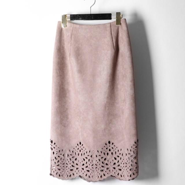 GRACE CONTINENTAL(グレースコンチネンタル)のグレースコンチネンタル カットワークタイトスカート グレー38 レディースのスカート(ひざ丈スカート)の商品写真