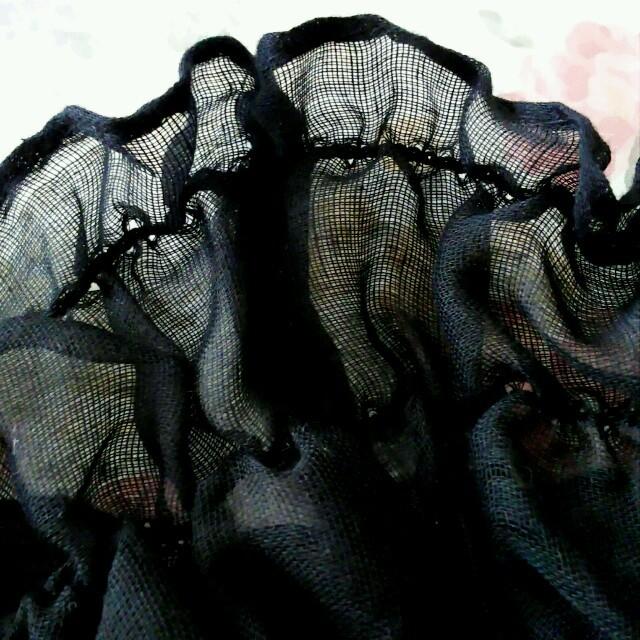 ★SALE★ フリルネックカバー 黒★配送無料 レディースのレディース その他(その他)の商品写真