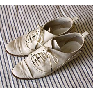 オゥバニスター(AU BANNISTER)の【予約済】AU BANNISTER 白 革靴(ローファー/革靴)