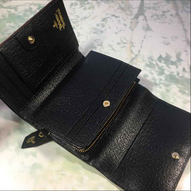 Vivienne Westwood(ヴィヴィアンウエストウッド)の新品☺︎Vivienne Westwood  二つ折り財布 ヴィヴィアン 黒 ※ レディースのファッション小物(財布)の商品写真