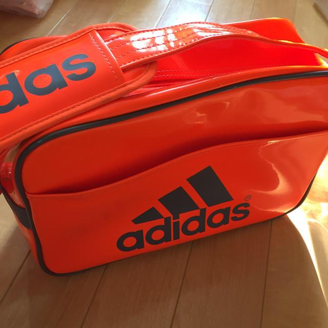 adidas(アディダス)のアディダス * エナメルバックSサイズ メンズのバッグ(ショルダーバッグ)の商品写真