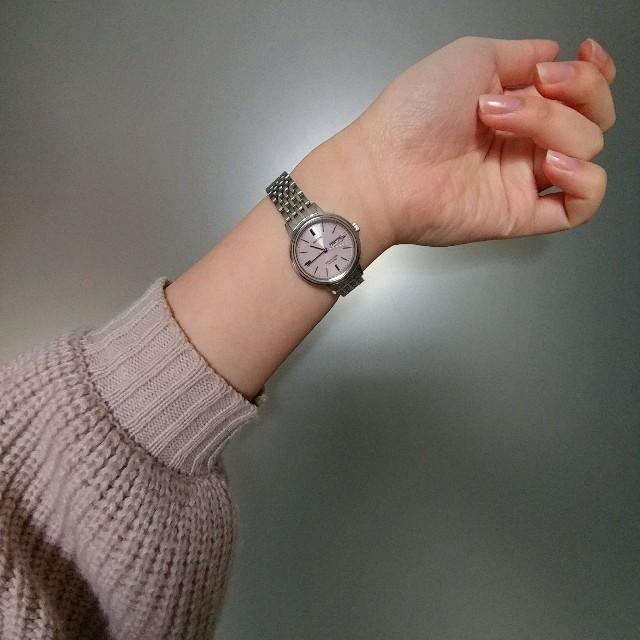 ピンク・シルバーウォッチ レディースのファッション小物(腕時計)の商品写真