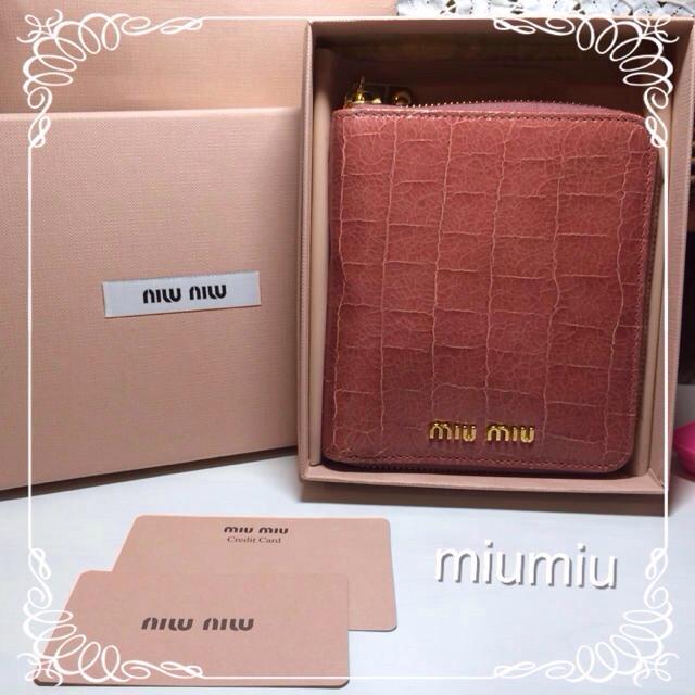 brand new 7f294 1e0b4 【miumiu♡折りたたみ財布♡美品♡】 | フリマアプリ ラクマ