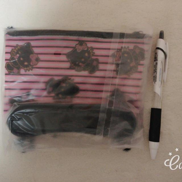 MAYBELLINE(メイベリン)のキティポーチ レディースのファッション小物(ポーチ)の商品写真