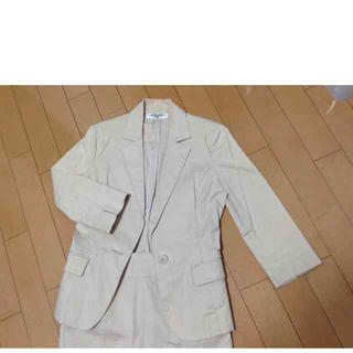 ナチュラルビューティーベーシック(NATURAL BEAUTY BASIC)のNBB ベージュスーツ 上下セット(スーツ)