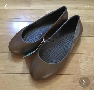 クロックス(crocs)の未使用  crocs  w8(ローファー/革靴)