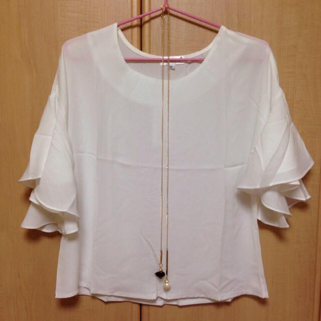 今期♡新品未使用 シフォンブラウス ホワイト Mサイズ レディースのトップス(シャツ/ブラウス(半袖/袖なし))の商品写真