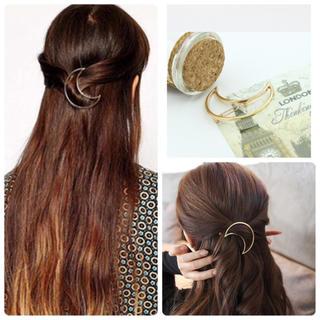 【新品 未使用】ゴールド フレーム ヘアピン ★♡ レディースのヘアアクセサリー(ヘアピン)の商品写真