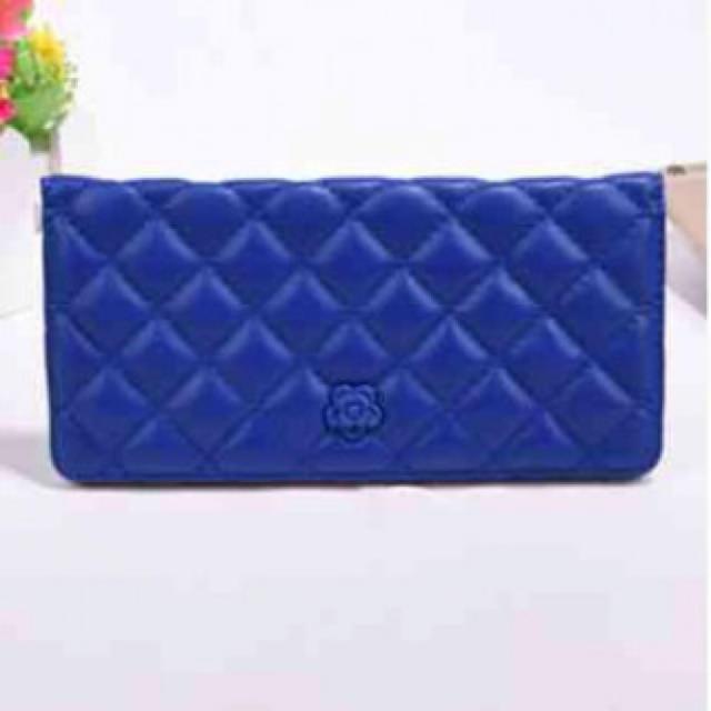 長財布 カードケース お札入れ キルト ミニフラワー ブルー レディースのファッション小物(財布)の商品写真