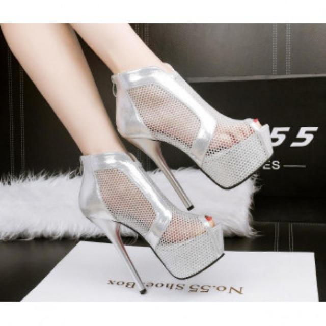 【新作】シースルー ハイヒール パンプス 高級感 シルバー レディースの靴/シューズ(ハイヒール/パンプス)の商品写真