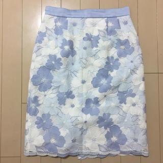 デビュードフィオレ(Debut de Fiore)のDebut de Fiore♡フラワーチュールEMBタイトスカート(ひざ丈スカート)