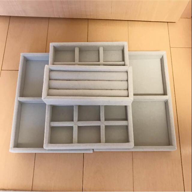 MUJI (無印良品)(ムジルシリョウヒン)の無印良品 重なるアクリルケース & ベロア内箱仕切 インテリア/住まい/日用品のインテリア小物(小物入れ)の商品写真
