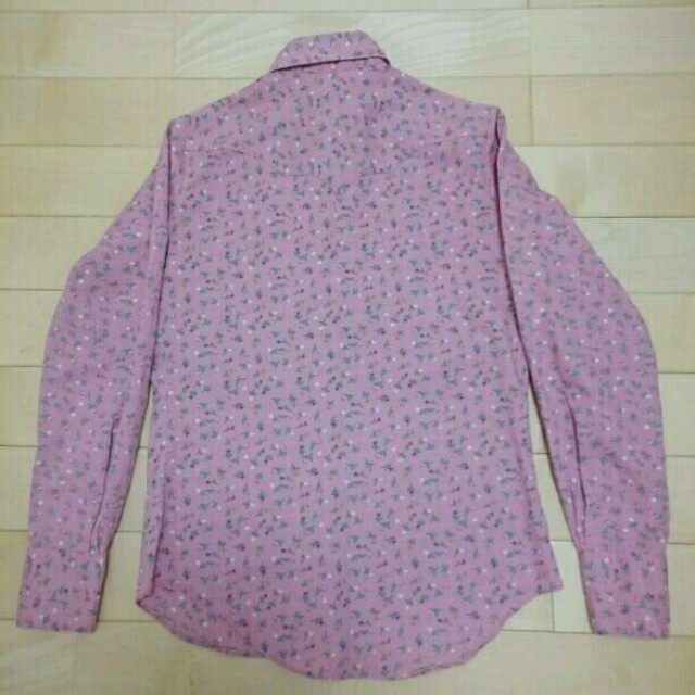 流行のピンク◎ウエスタン風小花柄シャツ レディースのトップス(シャツ/ブラウス(長袖/七分))の商品写真