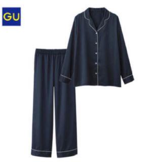 ジーユー(GU)のgu サテンパジャマ ネイビー L(パジャマ)