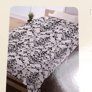 シマムラ(しまむら)の新品☆ 送料無料♪ ダマスク柄 タオルケット マット ホワイト しまむら(毛布)