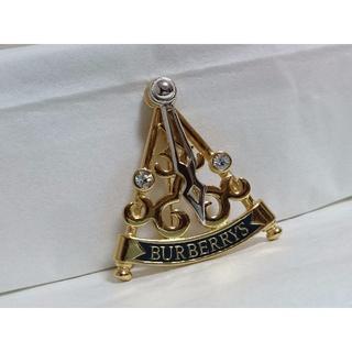 バーバリー(BURBERRY)の正規美 レア バーバリー ライトストーン×ロゴ文字 スイングブローチ金 可動式針(ブローチ/コサージュ)