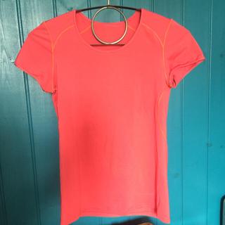 パタゴニア(patagonia)のPatagonia UV トップス(Tシャツ(半袖/袖なし))