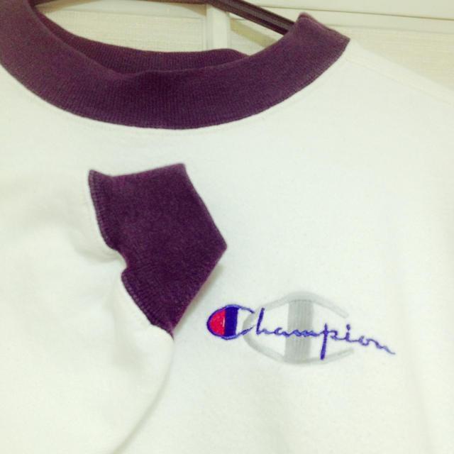 Champion(チャンピオン)の白×紫 チャンピオンスウェット レディースのトップス(トレーナー/スウェット)の商品写真