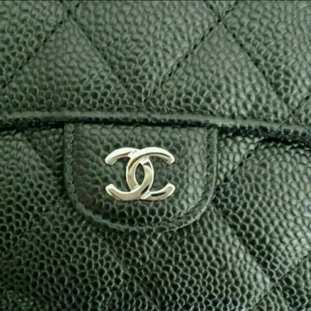 CHANEL(シャネル)の新品同様 シャネル 長財布 キャビアスキン レディースのファッション小物(財布)の商品写真