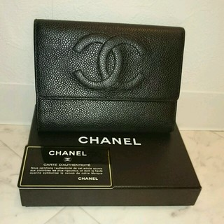 CHANEL(シャネル)の目玉商品♥シャネル CHANEL キャビアスキン 三つ折り財布 レディースのファッション小物(財布)の商品写真