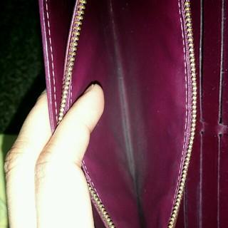 LOUIS VUITTON(ルイヴィトン)の【正規品】LOUIS VUITTON ヴェルニ財布紫 レディースのファッション小物(財布)の商品写真
