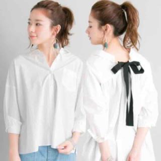アーバンリサーチ(URBAN RESEARCH)の美品   アーバンリサーチ バックリボンゆるっとシャツ(シャツ/ブラウス(長袖/七分))