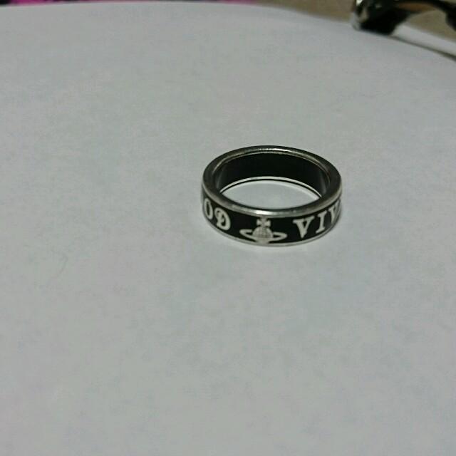 Vivienne Westwood(ヴィヴィアンウエストウッド)のヴィヴィアンウエストウッド 黒 リング レディースのアクセサリー(リング(指輪))の商品写真